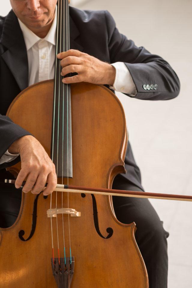 https://dom-musikschule.de/wp-content/uploads/2019/12/Cello-640x959.jpg